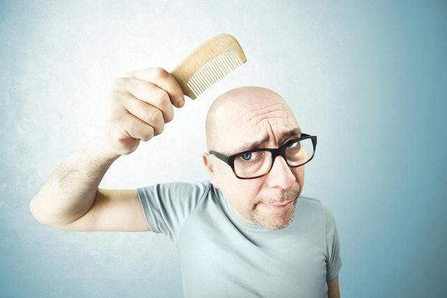 Облысение у мужчин - причины и лечение